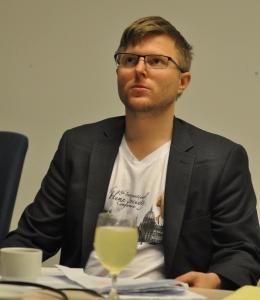 Dr Max Skjonsberg