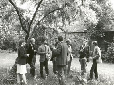Fellows in the garden at IASH