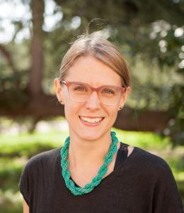 Dr Elizabeth Banks